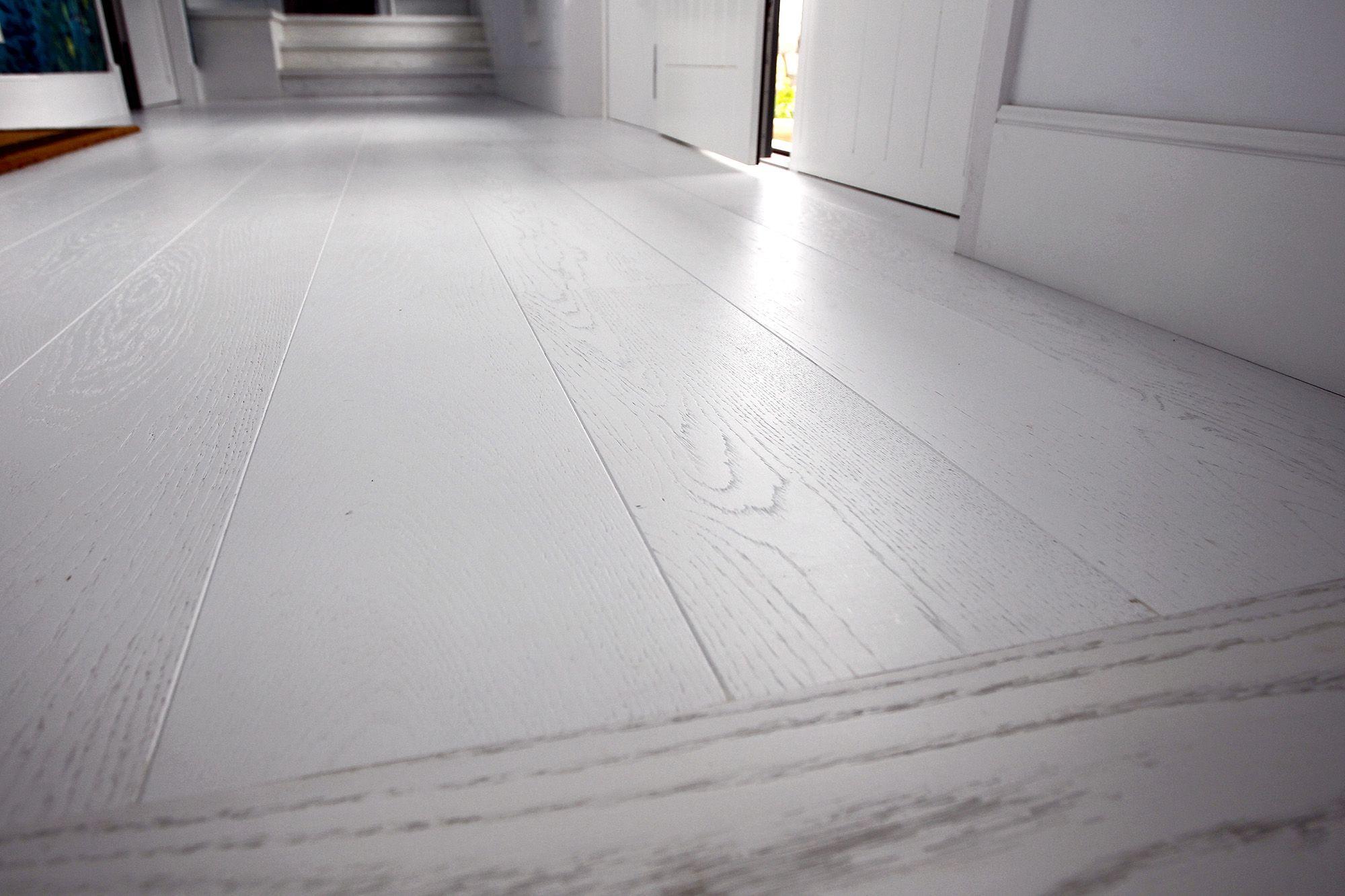suelo parquet blanco de surco