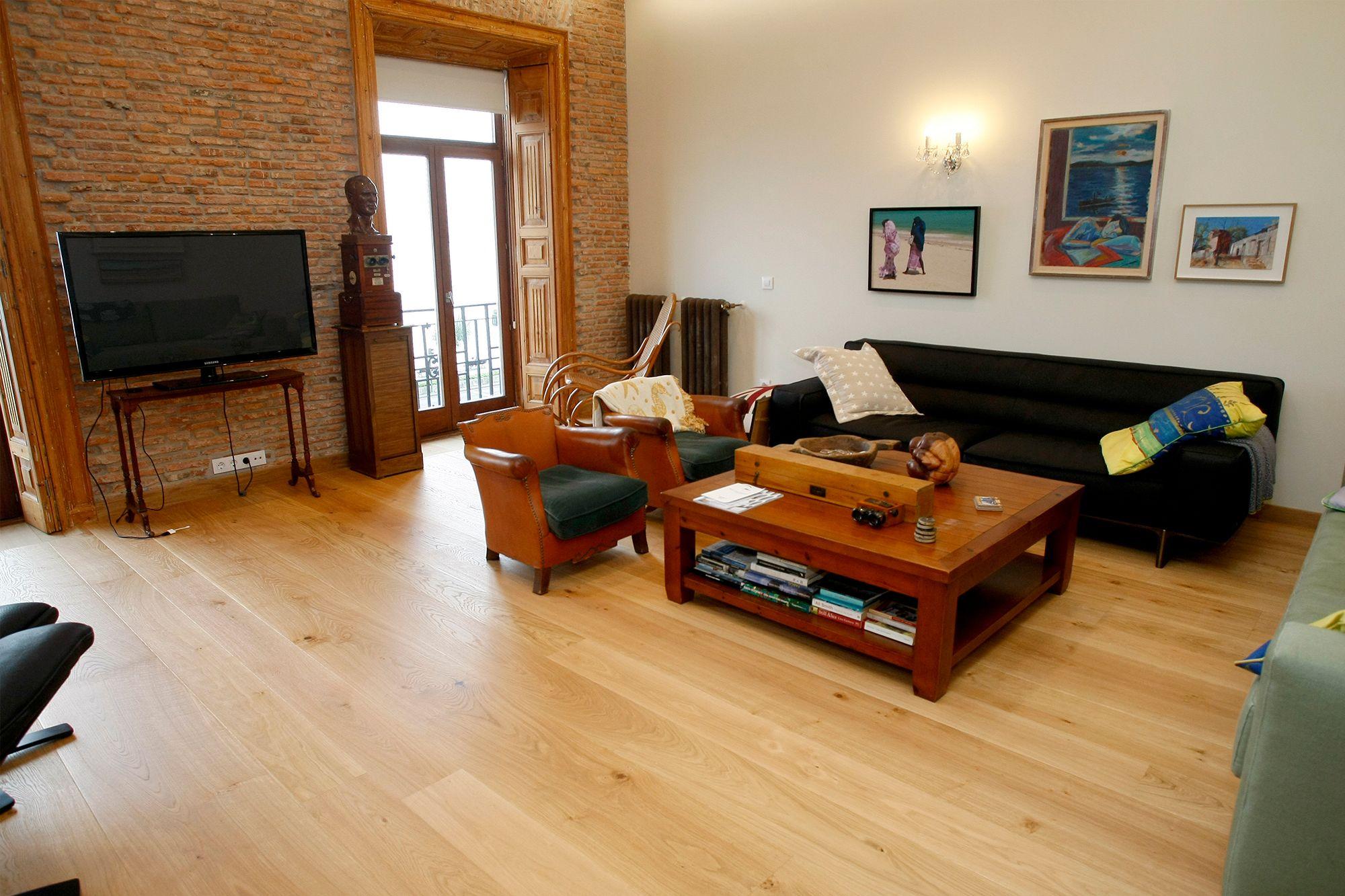 Instalación de madera natural Surco