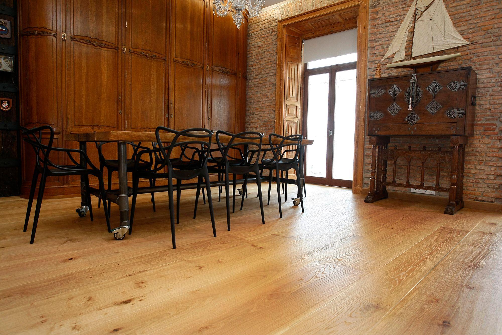Suelo de madera natural instalado por TPI